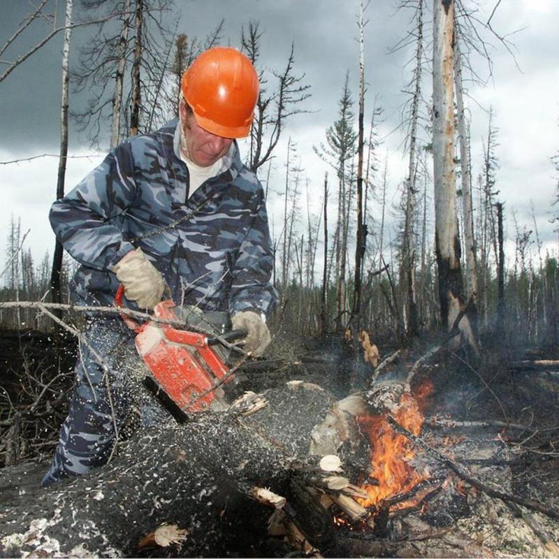 Imagini spectaculoase din Rusia, unde armata a fost trimisă pentru a ajuta la combaterea focurilor care au pus stăpânire pe pădurile din Siberia - GALERIE FOTO