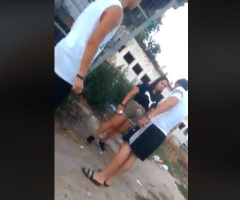 """Fată de 13 ani din Medgidia, bătută cu bestialitate și filmată! """"Vrei să te bag în portbagaj, să nu te mai găsească nimeni?!"""" (VIDEO)"""
