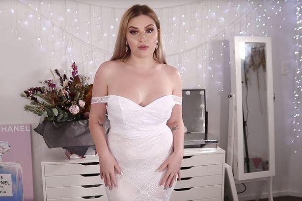 """Mireasa a crezut că și-a găsit rochia visurilor, la un preț de nimic! Când a probat-o, a amuțit!: """"Nu pot să apar la nuntă așa!"""""""