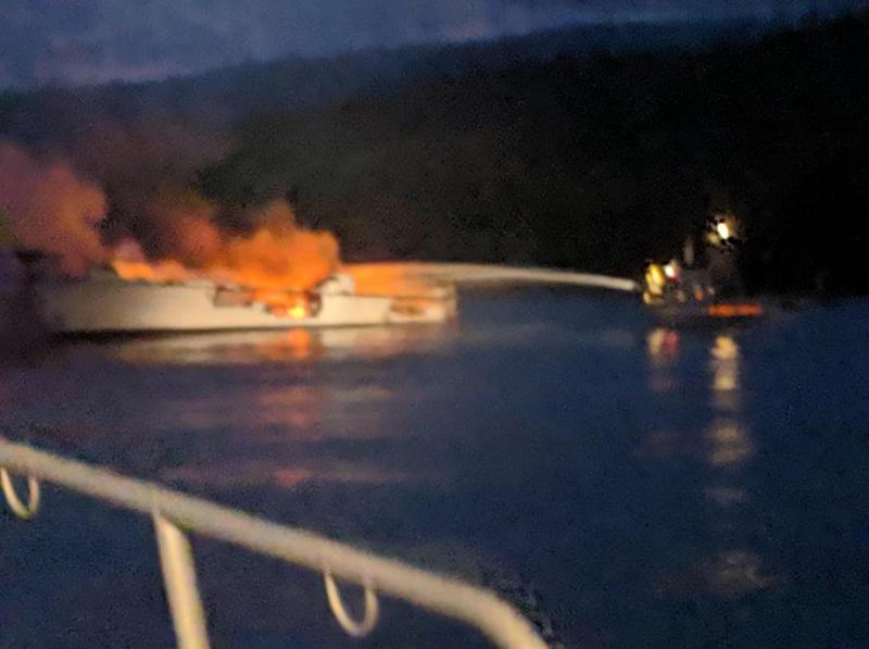 Tragedia în largul coastei Californiei: 34 de persoane au murit în urma unui incendiu care a cuprins un vapor