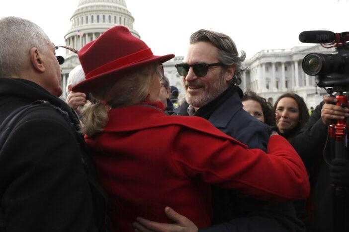 De ce a fost Joaquin Phoenix arestat la protestul împotriva schimbărilor climatice! Declarația actorului a stârnit controverse