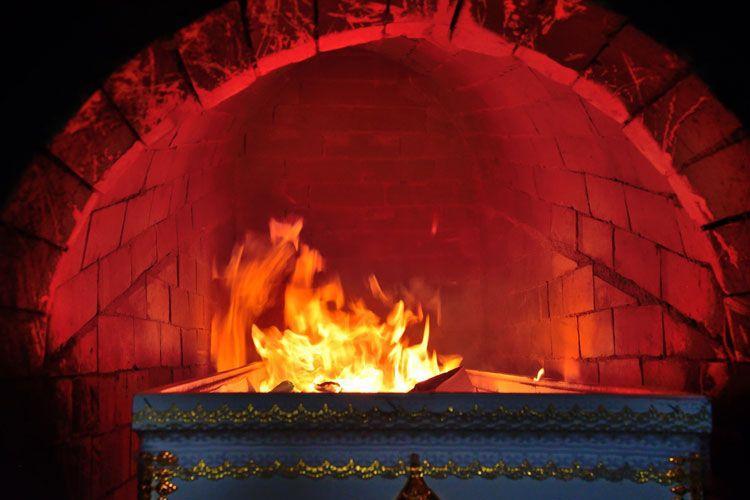 Incinerarea umană, interzisă de Biserica Ortodoxă! De ce este considerată un păcat uriaș