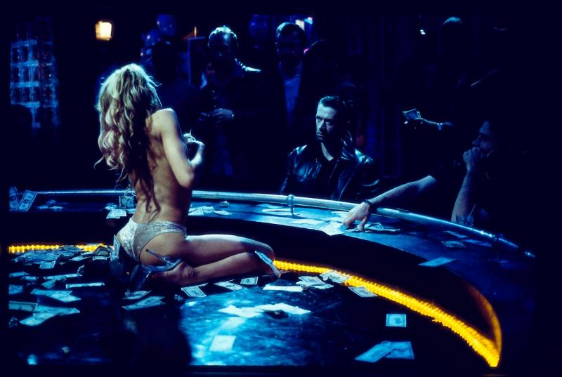 Daryl Hannah în ''Dancing at the Blue Iguana''