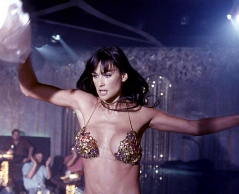Demi Moore în ''Striptease''