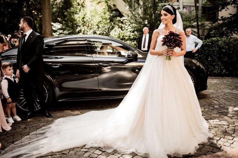 Adelina Pestrițu în rochia de mireasă