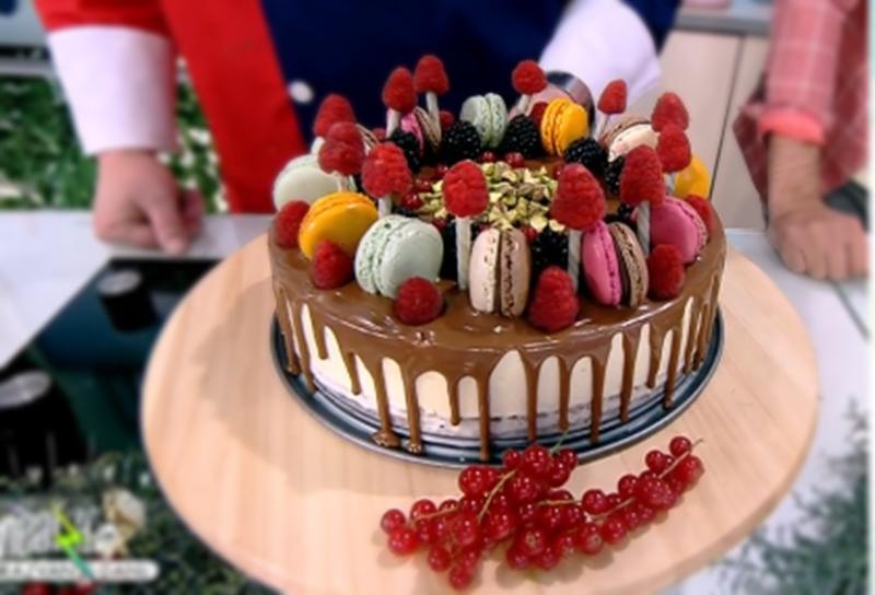 Rețetă de tort cu cremă de ciocolată albă și glazură, preparat de Vlăduț la Neatza cu Răzvan şi Dani