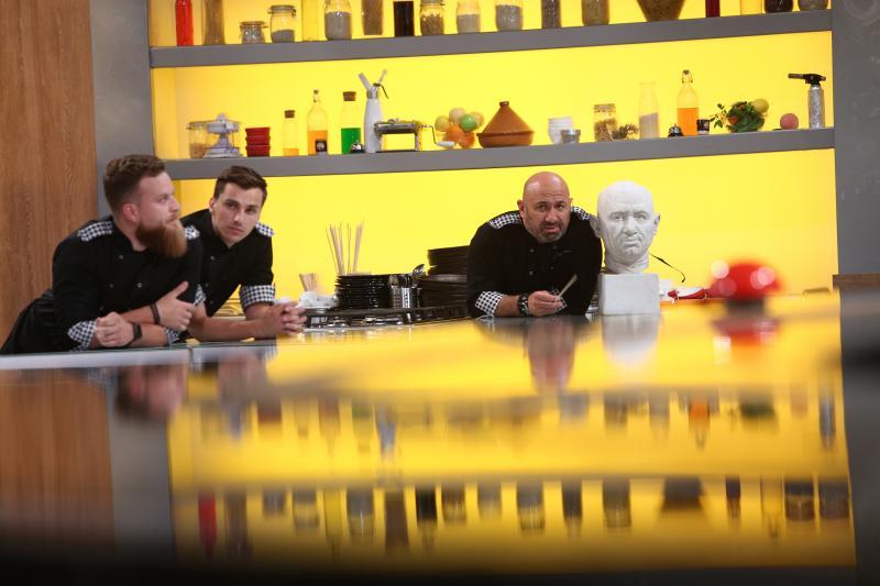 """Cătălin Scărlătescu, în ediția 37 din sezonul 8 """"Chefi la cuțite"""""""