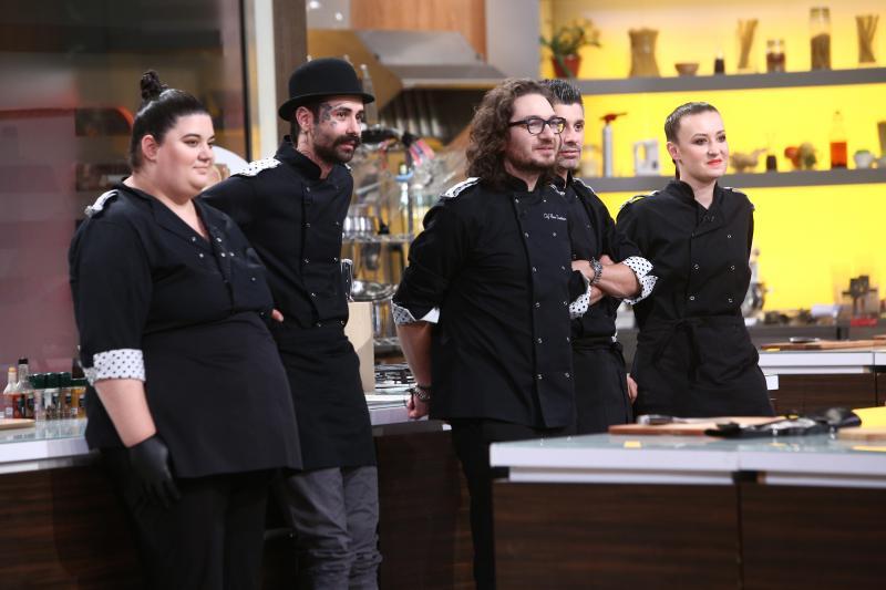 """Florin Dumitrescu și echipa sa, în sezonul 8 """"Chefi la cuțite"""""""