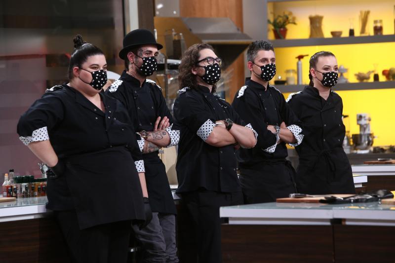 """Florin Dumitrescu și echipa sa, în ediția 38 din sezonul 8 """"Chefi la cuțite"""""""