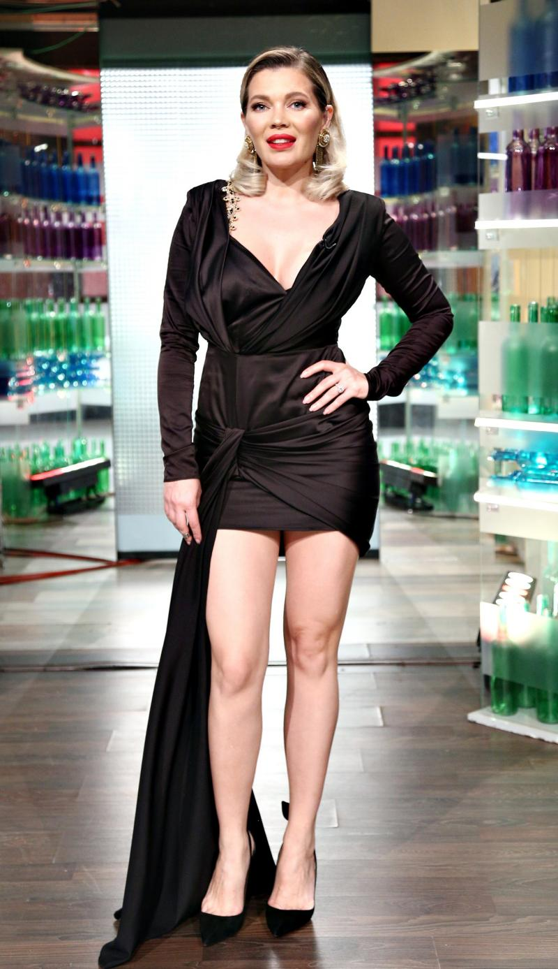 Gina Pistol, într-o rochie neagră, la Chefi la cuțite