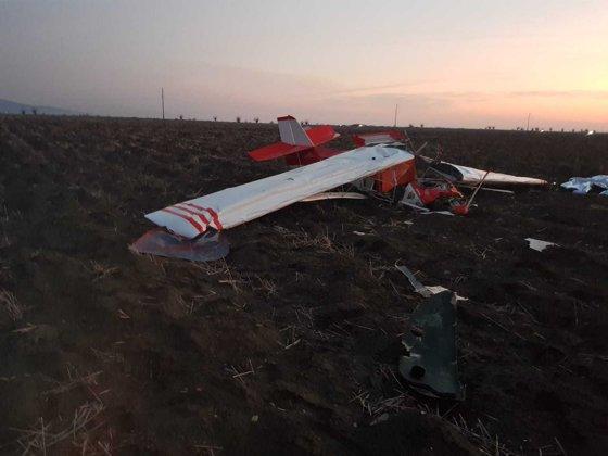 Primele imagini de la locul tragediei. Un avion s-a prăbușit în zona localității Șiria.  Câte persoane erau la bord
