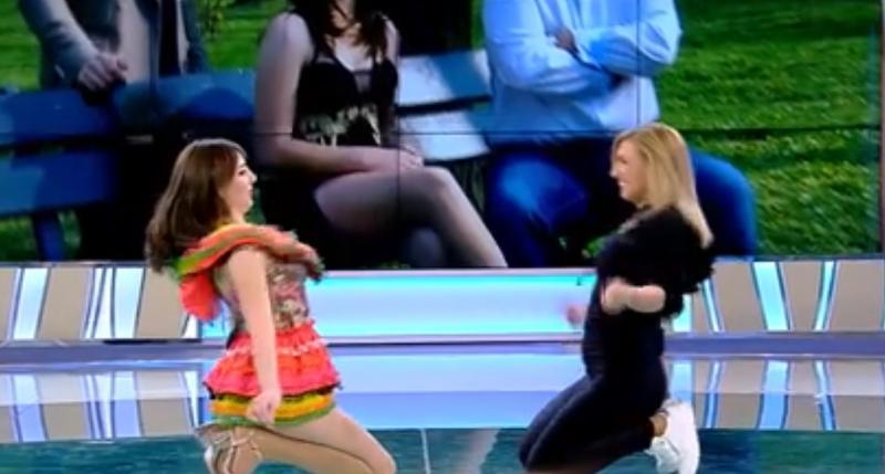 Vulpița, apariție interzisă minorilor! Veronica a dansat într-o fustă ce a lăsat totul la vedere