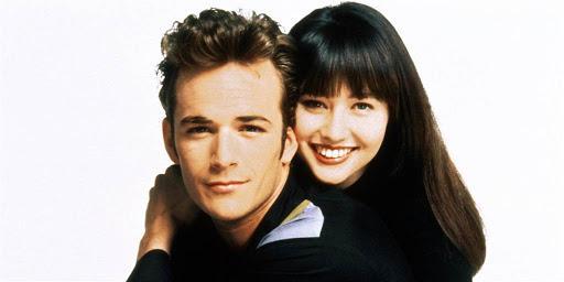 """Un an fără Luke Perry! Actorii din Beverly Hills 90210, urmăriți de ghinion. Partenera lui, Shannen Doherty, e pe moarte: """"I-am onorat amintirea prin acel reboot al serialului!"""""""