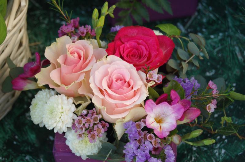 Atunci cand #staiacasa, o florarie online poate aduce primavara in preajma ta