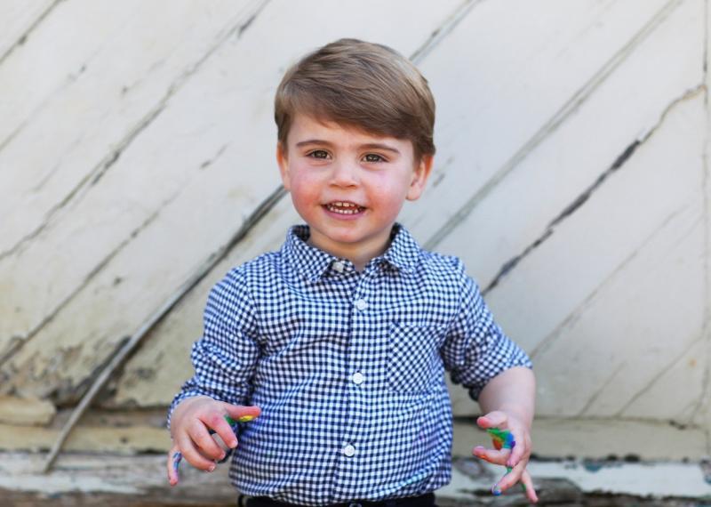 Prinţul Louis, asemănare uimitoare cu fratele mai mare, George. Mezinul lui William și a lui Kate a împlinit doi ani - FOTO