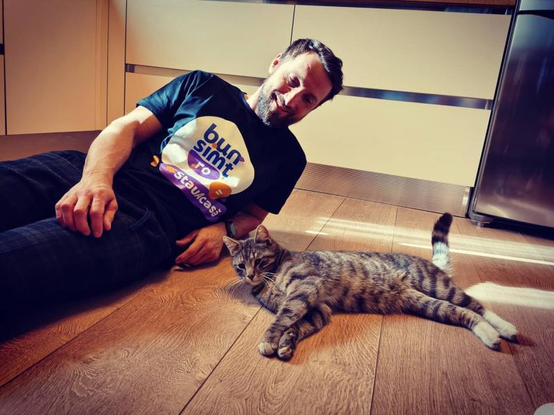 Noua pasiune a lui Dani Oțil! Cum își umple vedeta timpul liber. Imagini care te vor sensibiliza! |FOTO