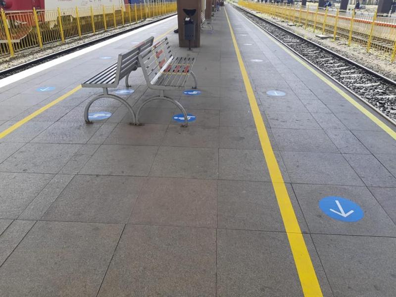 """""""Tu decizi: 500 lei amendă sau 3 lei masca de protecție!"""". CFR, reguli stricte pentru cei care călătoresc cu trenul! Ce măsuri au fost impuse în gări - FOTO"""