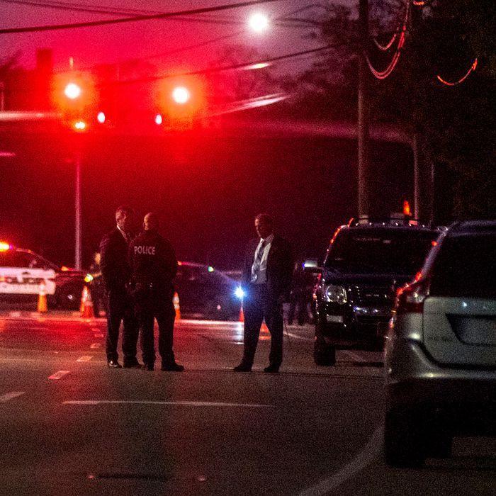 Un tânăr și-a omorât tatăl și a transmis totul live, pe Zoom! Douăzeci de persoane au privit