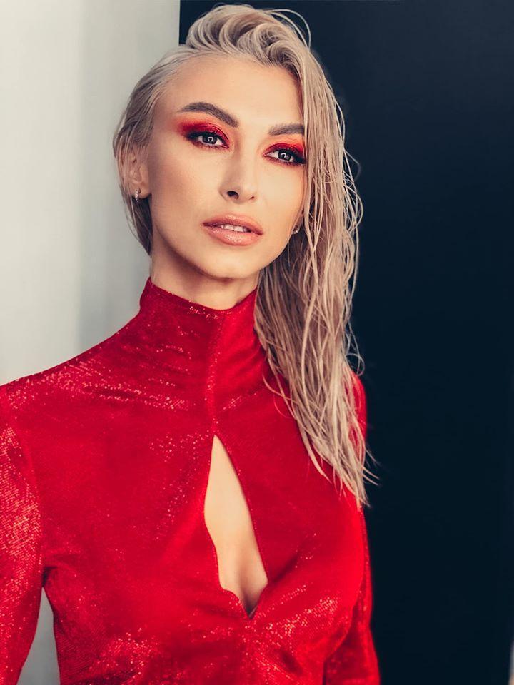 """Andreea Bălan, mesaje dureroase pentru George Burcea în noua piesă, """"Am crezut în basme""""   Video"""