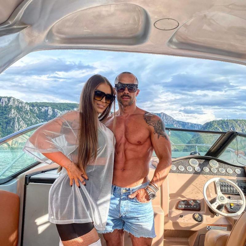 Oana Radu și iubitul se pregătesc să devină părinți, după nuntă! Când va îmbrăca artista rochia de mireasă