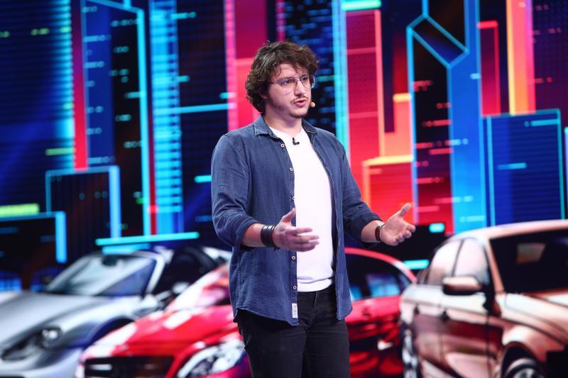 """Cum te simți ca o Dacie 1300, dezamăgită? Adi Dima a povestit la iUmor ce e în sufletul unei mașini: """"M-a iubit și pe mine odată o Lancia"""""""