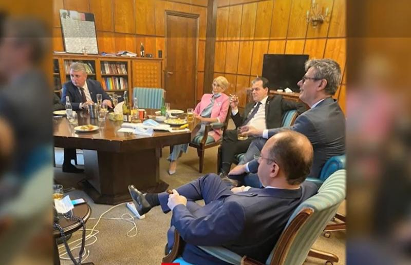 Ludovic Orban a comis-o din nou! Poza e deja virală. Cum a fost surprins premierul, la Palatul Victoria