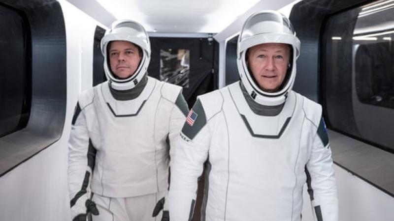 Space X, prima companie privată ce a lansat în cosmos o capsulă cu echipaj uman! Zborurile în spațiu vor deveni mai ieftine și mai dese