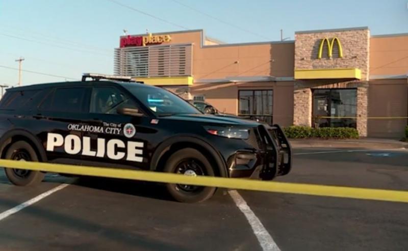 """A împușcat doi oameni pentru că nu a fost lăsată să mănânce un burger! """"A plecat și s-a întors cu un pistol. S-au auzit trei gloanțe"""""""