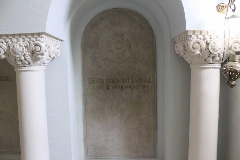 Măriuca, copilul-erou din Primul Război Mondial. A murit la 12 ani, la Mărășești. Ne-am bătut joc de monumentul ei!