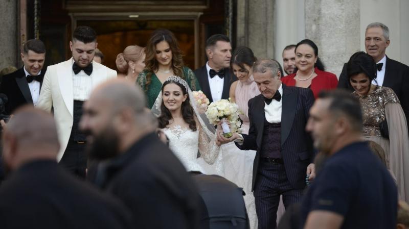 Veste mare pentru patronul FCSB! Gigi Becali este bunic! Teodora, fiica sa, a născut sâmbătă o fetiță de nota 10!