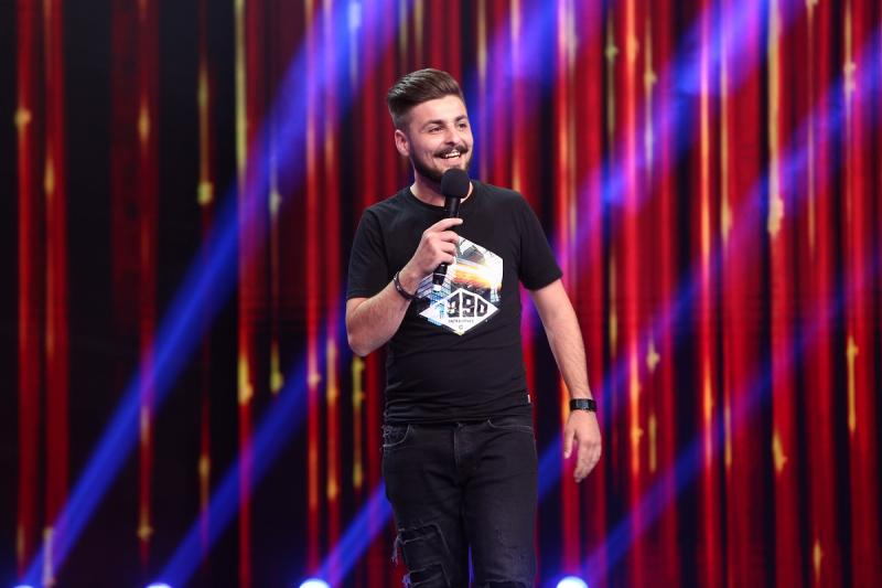 Finala iUmor, prima în preferințele românilor!  Edi Vacariu este câștigătorul iUmor, sezonul 8