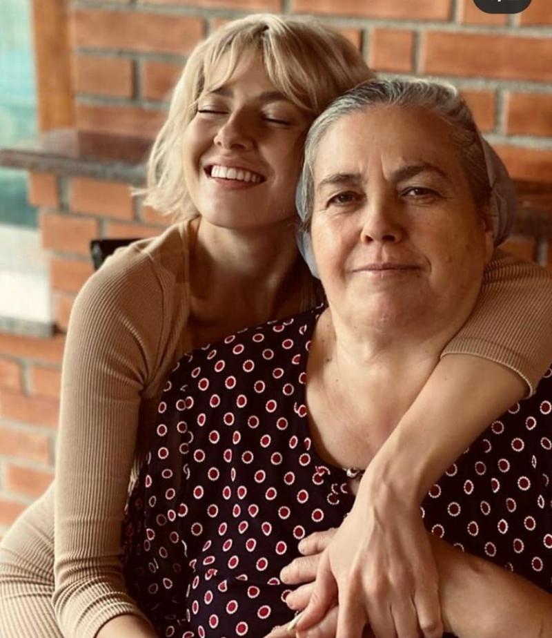 Cum arată mama Lidiei Buble! Femeia care i-a dat viață artistei a născut 11 copii! |Foto