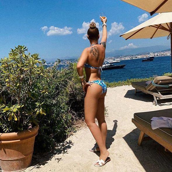Cea mai sexy apariție a Anamariei Prodan în costum de baie. Impresara și-a etalat trupul în toată splendoarea | Foto