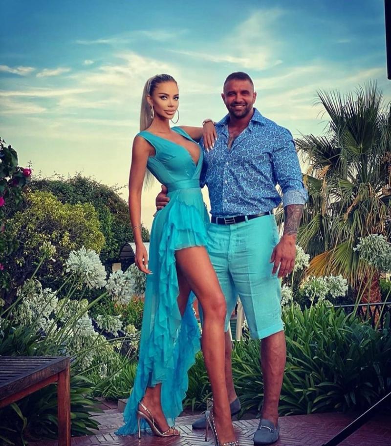 Imagini din vacanța de vis a Biancăi Drăguşanu şi a lui Alex Bodi! Cei doi se răsfață în paradisul milionarilor! | Video
