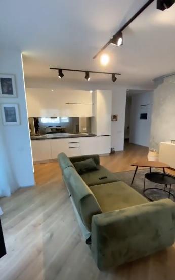 Este oficial! Selly, băiat de Capitală! Cum arată apartamentul de lux pe care l-a închiriat vloggerul! | Foto