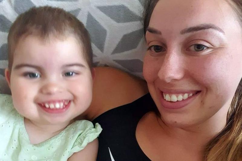 """Bebelușa care i-a lăsat muți pe medici: """"Mai există alte patru cazuri de fetițe afectate, în istorie!"""" Nimeni nu știe cum va evolua boala"""