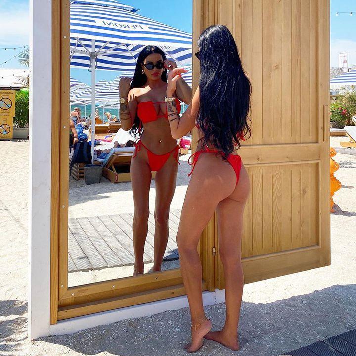 Daniela Crudu iubește din nou? Cu cine a fost surprinsă vedeta la malul mării