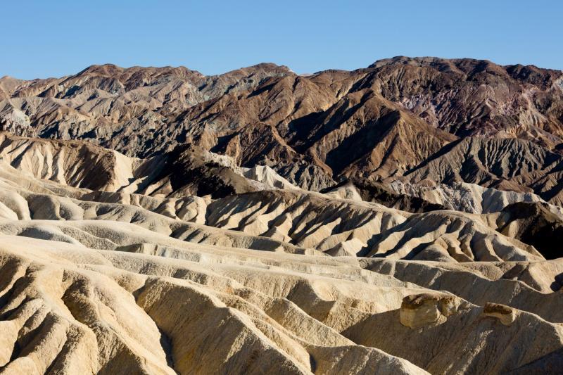 """Cum se trăiește în Valea Morții, unde s-ar fi înregistrat cea mai mare temperatură de pe Pământ! """"Pare că intri într-un cuptor încins. Nu apuci să transpiri!"""""""