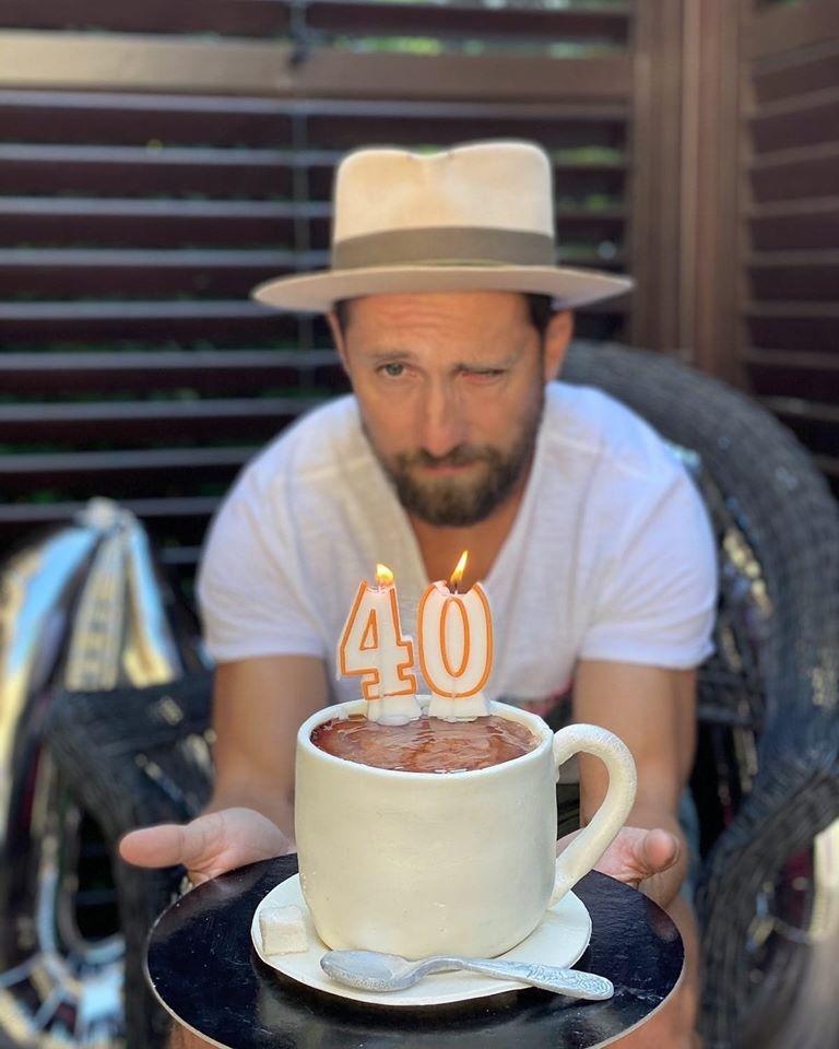 La mulți ani, Dani Oțil! Matinalul a împlinit 40 de ani! Imagini de senzație cu îndrăgitul prezentator de la Neatza