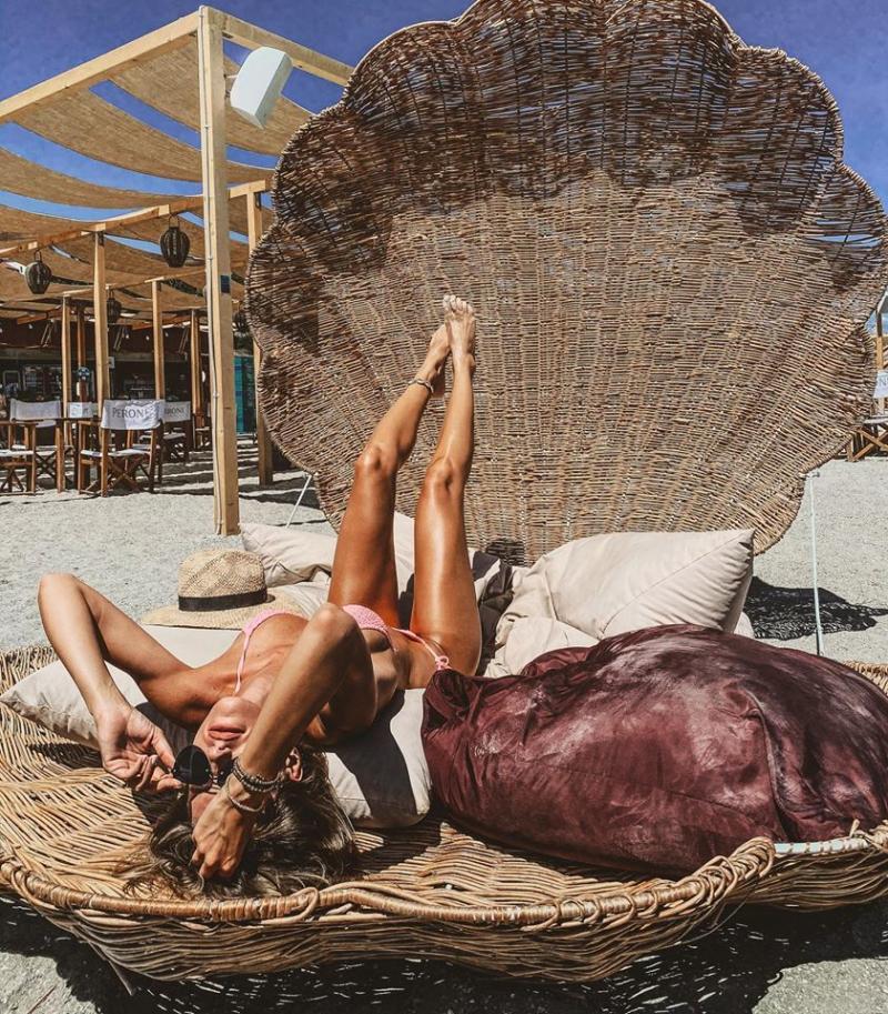 Imagini fierbinți din vacanța Gabrielei Prisăcariu! Unde se relaxează iubita lui Dani Oțil!  FOTO