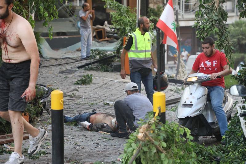 Imagini sângeroase după exploziile de la Beirut. Bilanțul a ajuns la cel puțin 113 morți și peste 4.000 de răniți