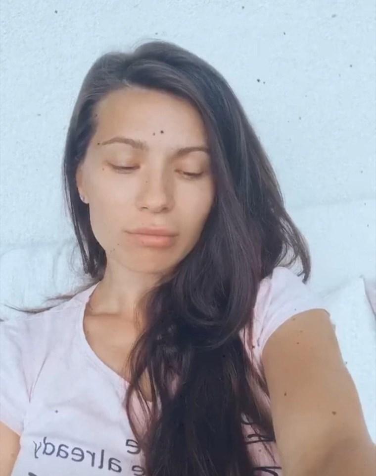 Cum arată iubita lui Liviu Vârciu fără pic de machiaj! Tânăra mămică are o frumusețe naturală desăvârșită |Foto
