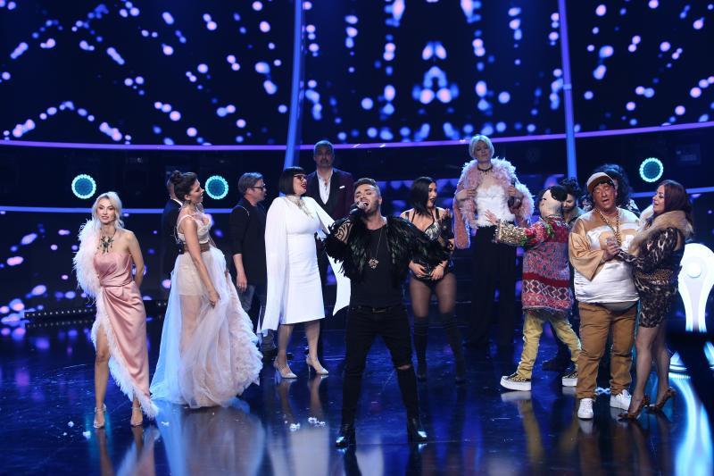 """Ca un adevărat star rock! Tavi Clonda a câștigat a doua ediție din sezonul 15 """"Te cunosc de undeva"""""""