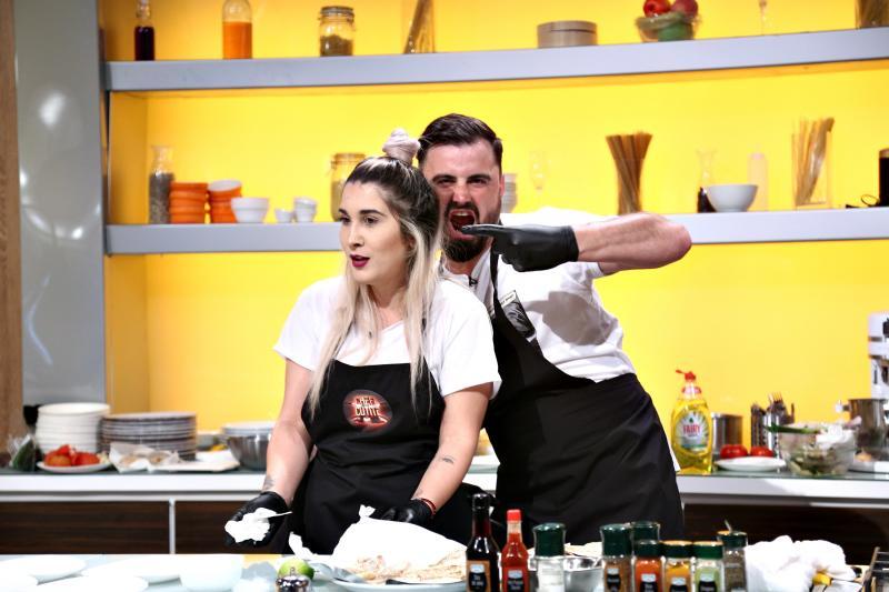 """Adda și Cătălin de la """"Asia Express"""" au făcut show în bucătăria """"Chefi la cuțite""""! Ce au gătit"""