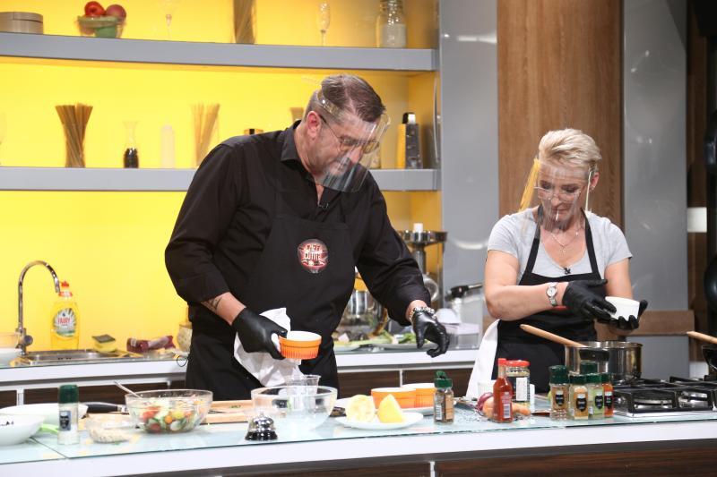 """Doi iubiți au ajuns rivali, în bucătăria """"Chefi la cuțite""""! Povestea lor este emoționantă"""