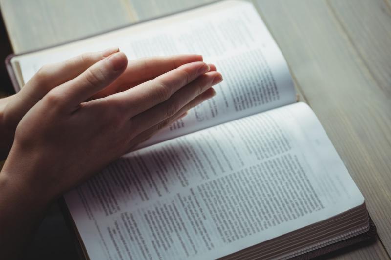 Rugăciune rapidă ca să scapi de necazurile din viața ta! Ce trebuie să rostești ca să scapi de probleme