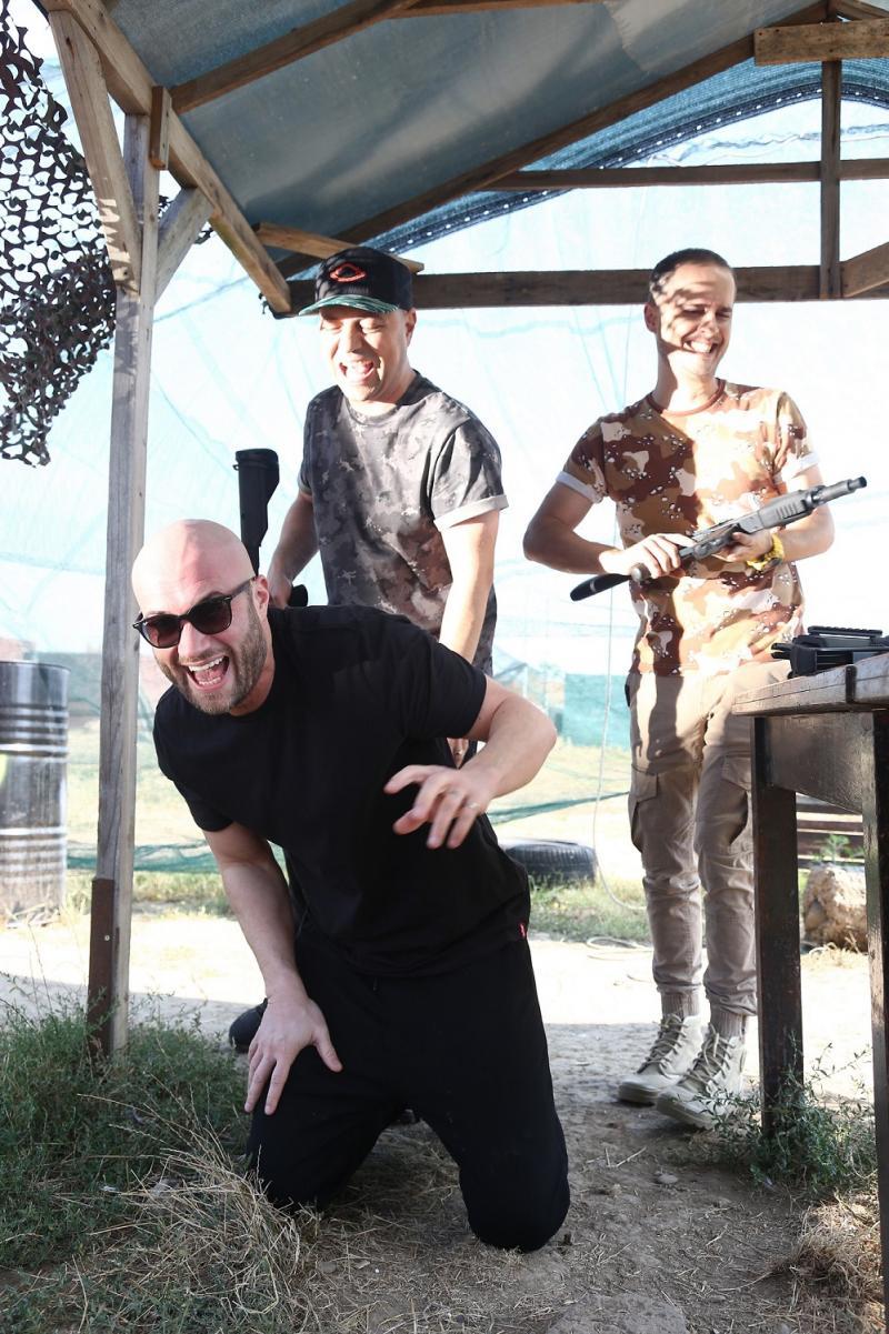 Delia, Mihai Bendeac și Cheloo, distracție în poligon, la filmările iUmor