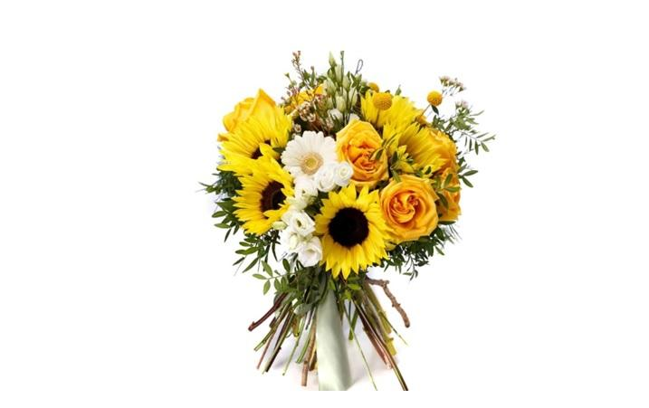 5 buchete de flori pe care le poți dărui la o cununie civilă toamna aceasta