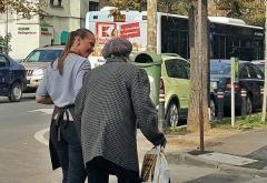 Coloana oficială de trecut bătrâni strada - Morala lui Morar
