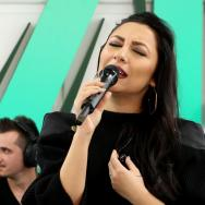 LIVE: Andra cântă cele mai frumoase piese din popor